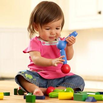 Двенадцатый месяц жизни ребенка: чем занять малыша в год?