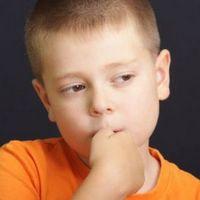 Ребенок грызет ногти, что делать, как отучить ?