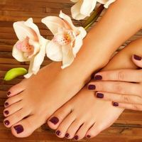 Как избавиться от шелушения кожи на ногах?