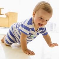 Простые советы как научить ребёнка ползать?