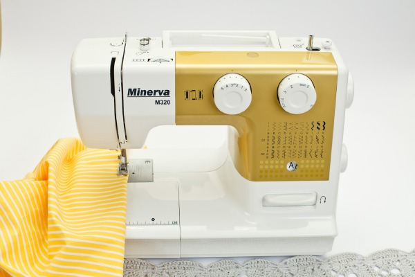 Швейная машина Minerva