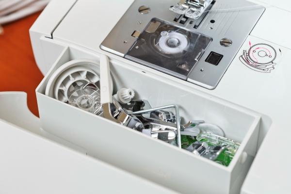 Комплектация швейной машина Minerva