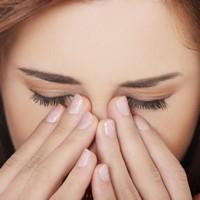 10 натуральных лекарственных средств для лечения сухости глаз