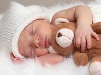 Как защитить малыша от незнакомого мира?