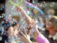 Второй Севастополскьий флешмоб мыльных пузырей (Фото)