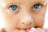 Малыш грызет ногти: отучаем вместе