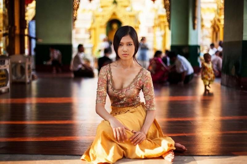 Фото девушки, Мьянма
