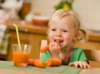 Как научить ребенка есть полезную еду?