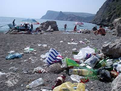 В Севастополе на море лучше только смотреть: купание чревато в лучшем случае кишечным расстройством.